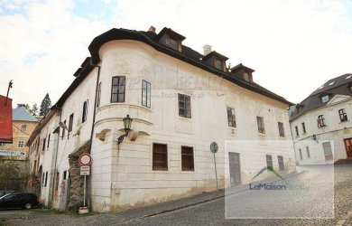 Fotka #1: Great investment opportunity - a unique historical building of Hotel Metropol for sale in the heart of Banska Stiavnica (Slovakia)